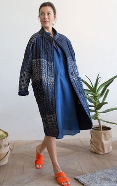 I'm considering sewing a zero-waste quilted coat from this stack of block print, batik, ikat, and hand-dyed indigo fabric scraps. Boro, Japanese Embroidery, Mode Inspiration, Coat Dress, Quilted Jacket, Sewing Clothes, Refashion, Coats For Women, Indigo