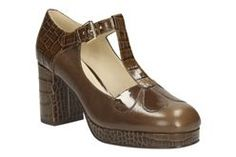 Womens Smart Shoes - Orla Abigail in Brown Combi Leather from Clarks shoes Brown Flat Shoes, Brown Leather Shoes, Brown Shoe, Shoe Boots, Shoes Sandals, Shoe Bag, Heels, Orla Kiely Shoes, Clarks