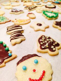 Shortcrust pastry cookies - the classic - Plätzchenteig - Mini Desserts, Holiday Desserts, Vegan Desserts, Italian Cookie Recipes, Italian Desserts, Easy Cookie Recipes, Best Cookies Ever, Italian Pastries, Pecan Nuts
