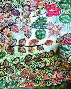 Crochet lace from Duplet Crochet: Zhurnal MOD Fashion Magazine #558 http://www.duplet-crochet.com/Zhurnal-MOD-Fashion-Magazine-558-Russian-knit-and-crochet-patterns_p_515.html