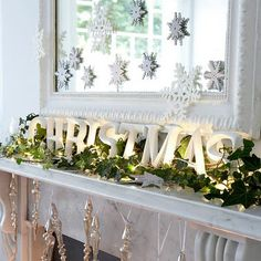 White Christmas Mantle Decorated with Letter Art and Invy Christmas Mantels, Noel Christmas, Merry Little Christmas, Winter Christmas, Christmas Crafts, Christmas Letters, Modern Christmas, Simple Christmas, Merry Xmas