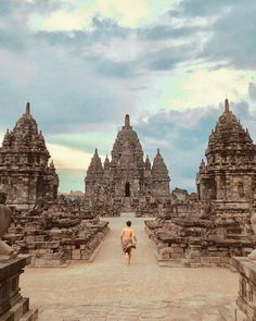 Enjoy the architectural beauty of Sewu Temple in Sleman, Yogyakarta, Photo by: IG Places To Travel, Places To Visit, Borobudur, Equador, Ancient Architecture, Construction, India Travel, Adventure Awaits, Countries Of The World