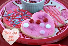 Mommy's Kitchen - Home Cooking & Family Friendly Recipes: Valentines Day Cookie Decorating Party