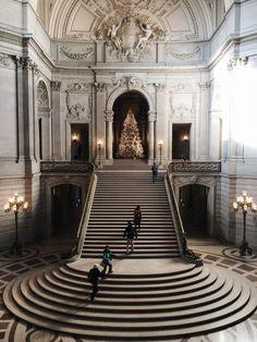 gorgeous stairwell, glamorous decor, wedding inspiration, christmas inspiration, classic