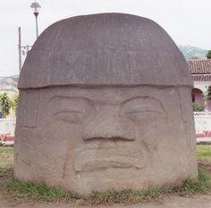 San Lorenzo Colossal heads