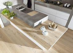 Rovere Antico Piallato a mano ANTICO E' Produzione di pavimenti in legno antico e nuovo, boiseries, scale, battiscopa.