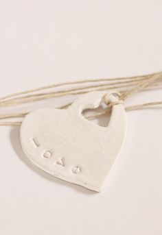 Beach House Living: White Clay Tags, Ornaments and Wedding Favors: Beachy Diy Fimo, Diy Clay, Clay Crafts, Polymer Clay, Mothers Day Crafts, Mother Day Gifts, Crafts For Kids, Dough Ornaments, Homemade Ornaments