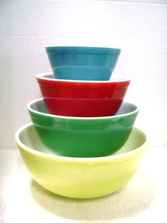 Vintage Pyrex Nesting / Mixing Bowls, 4 Color Complete Set, Midwest Farmhouse Kitchen Retro 1950s.. My Mother had a set of these, probably still does.