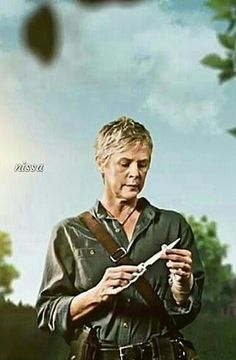 CAROL PELETIER Walking Dead Series, The Walking Dead, Comic Book Covers, Comic Books, Daryl And Carol, Melissa Mcbride, Cool Watches, Tv Series, It Cast