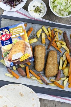 Fish and chips wraps lekkerbek iglo Fish And Chips, Convenience Food, Tacos, Mexican, Ethnic Recipes, Wraps, Kitchens, Coats, Prefab Cottages