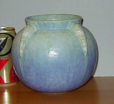 ROSEVILLE POTTERY TOPEO URN VASE **CRISP MOLD, EXCELLENT CONDITION**