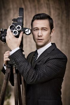 Joseph Gordon-Levitt on How He Embodies the Guido in His Directorial Debut, Don Jon | October 2013