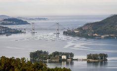 Isla de San Simon y Puente de Rande Vigo al Fondo