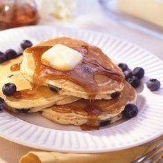 Healthy Blueberry Pancakes-is an easy and quick recipe for light and fluffy pancakes for a delicious breakfast or brunch. This is also a healthy low calories, low fat, low cholesterol, low sodium, low carbohydrates, heart-healthy and Weight Watchers (4) PointsPlus per serving recipe. Makes (7) Servings.