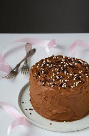 helppo suklaakakku Pudding, Baking, Desserts, Birthday, Party, Tailgate Desserts, Deserts, Birthdays, Bakken