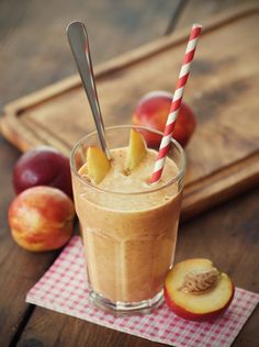 Anti-aging peach and blueberry smoothie #nutribullet #smoothies