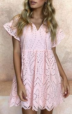 A pink dress Cinderella should have worn in lieu of that blue gown. Just my opinion Lace Summer Dresses, Little Dresses, Day Dresses, Lace Dress, Best Casual Outfits, Pink Outfits, Pink Dress Casual, Casual Dresses, Boho Fashion