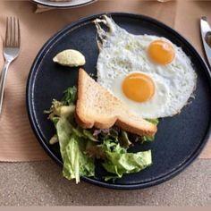 #sunday breakfast essentials at Maina Gastro Bar  🍽 Das Frühstück erhalten Sie am #s onntag in der Maina Gastro Bar #kos #greece #caraviabeach ▶️www.caraviabeach.gr◀️ 📷_marie_smiley