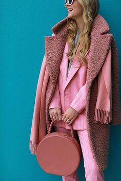 Pink suit and pink details // Fashion pink on Atlantic-Pacific