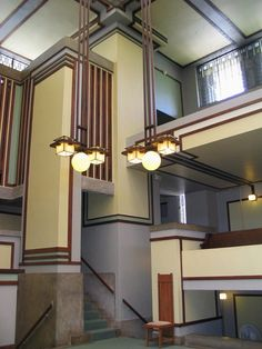 Unity Temple is a Unitarian Universalist church in Oak Park, Illinois =  Frank Lloyd Wright