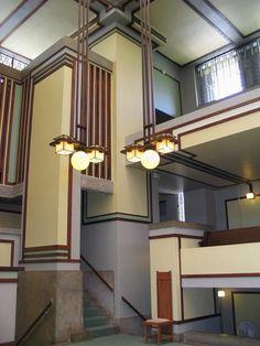 Unity Temple is a Unitarian Universalist church in Oak Park, Illinois =  Frank Lloyd Wright