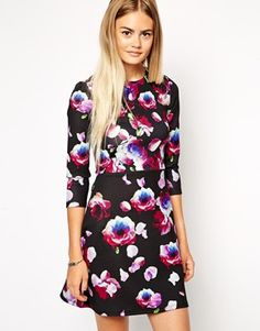 We love dark florals for fall!