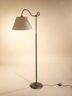 Lámpara de pie en forja Claudia , se puede cambiar el color de la forja, así como la pantalla.