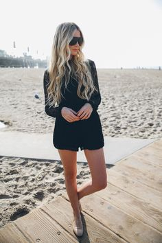 Perfect Beach Waves as seen by Barefoot Blonde. Inside a step-by-step video how to create this hair style using ghd curves @amberlfillerup @ghdhair
