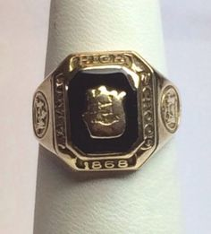 Albany NY High School class ring 10K Gold 1962. COLLECTABLES!!