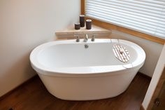 maax cocoon corner whirlpool tub Bathroom Traditional with free standing tub
