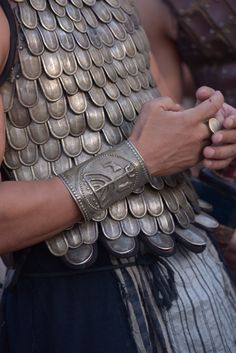 Scaling design on armor.the sacred warrior. Ancient Rome, Ancient Greece, Achilles And Patroclus, Captive Prince, Assassins Creed Odyssey, High Fantasy, Heroes Of Olympus, Greek Gods, Olympians