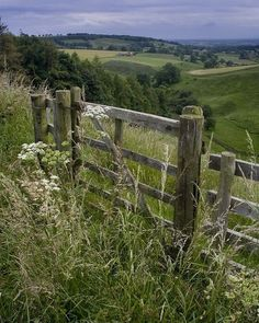 4 Stunning Ideas: Farm Fence And Gates backyard fencing seating areas.Tree Fence How To Grow pallet fence livestock.Fence Drawing Old. Country Life, Country Living, Beautiful World, Beautiful Places, Beautiful Pictures, Country Fences, Country Roads, Old Fences, British Countryside