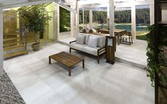 Porcelain tiles for outdoor pavements: solutions for open air living