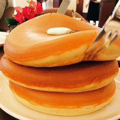 Tokyo Cafe Serves Up The Most Beautiful Pancakes You'll Ever See In Your Life