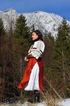 Folk Costume, Costumes, Rupaul, Character Design, Traditional, Beautiful, Dresses, Fashion, Romania