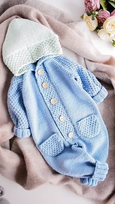 baby-knits # Baby Knits Onesie Knitting Pattern for Baby Jumpsuit Little Blues Baby onesie Baby-Strickanleitung baby BabyKnits Blues Jumpsuit Knits Knitting Kostenlose Strickanleitung für Baby-Overall Onesie Pattern