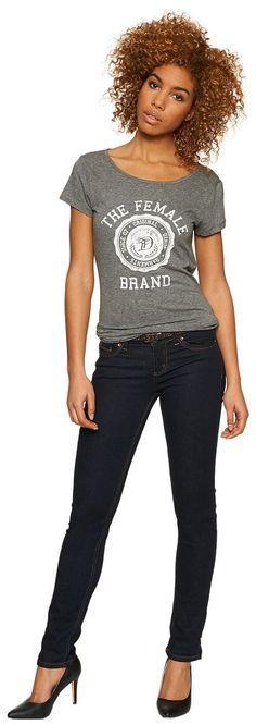 Skinny-Jeans mit Ziernähten für Frauen (unifarben, sehr schmal geschnitten) mit Stretch-Anteil für einen optimalen Sitz, Raw Denim Waschung, Backpockets mit farblich abgesetzten Ziernähten, dezente Logo-Stickerei hinten. Material: 98 % Baumwolle 2 % Elasthan...