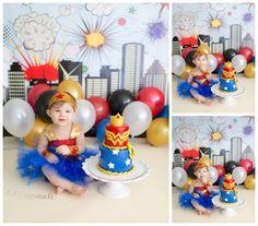 Harper turns {One} Wonder Woman style in studio with custom smash cake! – Scranton, Pennsylvania premiere baby photographer | Dolci Momenti Photography