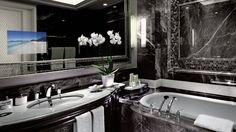 Ad-notam Clawfoot Bathtub, Bathroom Lighting, Flat Screen, Ads, Mirror, Home Decor, Mirrors, Bathroom Light Fittings, Blood Plasma