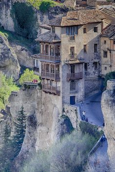 Cuenca's Hanging Houses (Casas Colgadas) were built on a cliff overlooking the Huécar River more than 500 years ago - Spain absolutely beautiful to see Places Around The World, Oh The Places You'll Go, Places To Travel, Places To Visit, Around The Worlds, Wonderful Places, Beautiful Places, Spain And Portugal, Places Of Interest