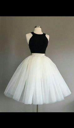 Vestido simples saia tulle branco e cropped preto simples resultado incrível Simples de fazer!