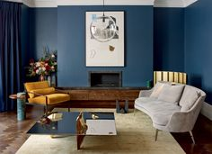 flexform us guscio sofa can be seen in this living room in chelsea london featured on wallpaper magazine New Living Room, Living Area, Living Spaces, Sofa Design, Beautiful Interiors, Colorful Interiors, Interior Architecture, Interior Design, Wallpaper Magazine