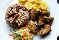 Haitian classic fare: Rice and red beans, fried plantains, Griot (roast pork), and pickled cabbage salad. Hatian Recipes, Caribbean Recipes, Caribbean Food, Grandma Cooking, Haitian Food Recipes, Pickled Cabbage, Cabbage Salad, Good Food, Yummy Food