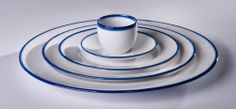 """oh well.... winter - you have blue sky and white snow.... spring means blue sky and white clouds... Why white and blue are so important to tableware? Just asking...  """"Touch of Blue"""", projekt: Ćmielów Design Studio, producent: Ćmielow, fot. Łódź Design Festival 2013"""