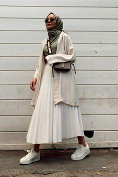 Modest Fashion Hijab, Modern Hijab Fashion, Street Hijab Fashion, Modesty Fashion, Hijab Fashion Inspiration, Islamic Fashion, Muslim Fashion, Skirt Fashion, Fashion Outfits