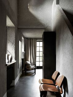 A bed and breakfast in Knokke, Belgium, belonging to interior designer and retailer Bea Mombaers. From the pages of Perfect Imperfect. Styling – Glen Proebstel. Photo – Sharyn Cairns.