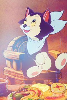 It's Figaro!!!!!!!