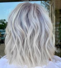is the artist… Pulp Riot is the paint. Hair Regrowth Shampoo, Natural Hair Regrowth, Blonde Grise, Blonde Hair Transformations, Styles Courts, Pulp Riot Hair Color, Hair Treatment Mask, Fall Hair, Hair Pieces