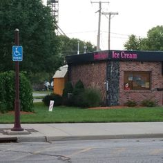 Photo of Koolerz - Shenandoah, IA, United States. Adorable,fun place to get froyo and stellar ice cream!