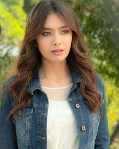 Turkish Women Beautiful, Turkish Beauty, Beautiful Girl Image, Fashion Tv, Look Fashion, Fashion Outfits, Belle Silhouette, Muslim Women Fashion, Turkish Fashion